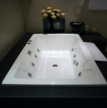 B25706 Built In Bathtub With Jacuzzi Bacera